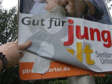 CDU überklebt PIRATEN